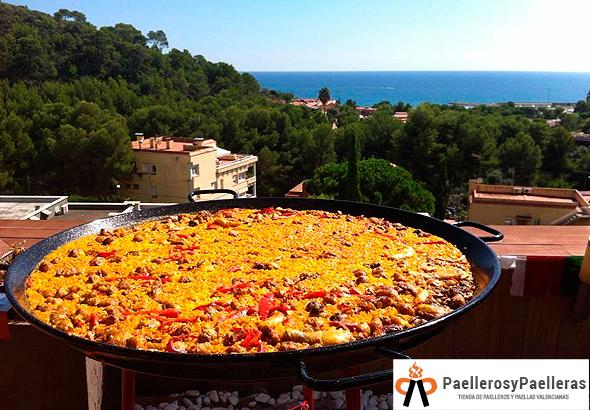 Paella alicantina para 50 personas