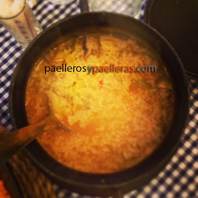 arroz-meloso-de-calamares-y-ajos-tiernos-arroceria-la-valenciana